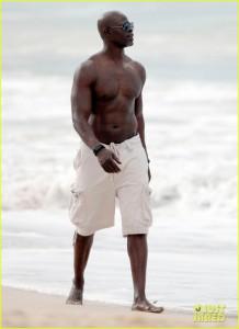 Nick_Brown_shirtless_04 - Naked Black Male Celebs
